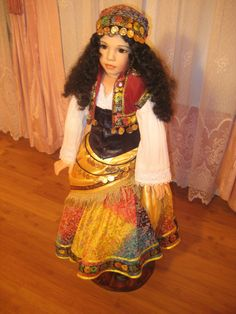 """32""""PORCELAIN DOLL/ GYPSY DOLL #DollswithClothingAccessories"""