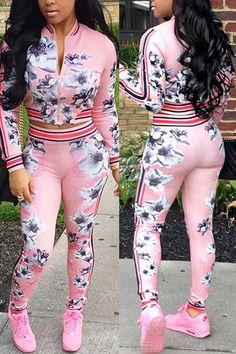 trendy plus size jogging suits 50 best outfits - Page 13 of 16 - Trendy Women Outfits Swag Outfits, Mode Outfits, Casual Outfits, Girl Outfits, Women's Casual, Fashion Pants, Fashion Outfits, Two Piece Pants Set, Floral Jacket