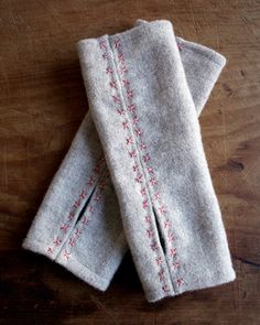 Molly's Sketchbook: Felted Wool Wrist Warmers - The Purl Bee - Knitting Crochet Sewing Embroidery Crafts Patterns and Ideas! Purl Bee, Sewing Hacks, Sewing Tutorials, Sewing Patterns, Hat Patterns, Embroidery Patterns, Knitting Patterns, Fabric Crafts, Sewing Crafts
