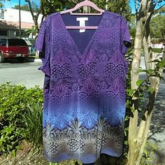 LIZ WEAR - Empire - Cross-over, V-neck Multi hues of lavenders and purples - fully lined - cap sleeves - Size XXL - Machine wash - Nylon Liz Wear Tops Blouses