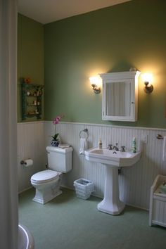 9 Valuable Clever Tips: Oak Wainscoting House wainscoting ideas kitchen.Types Of Wainscoting Laundry Rooms wainscoting kitchen entryway. House Bathroom, Marmoleum, Beadboard Bathroom, Wainscoting Kitchen, Bathroom Decor, Bathroom Design, Traditional Bathroom, Bathroom Renovations, Dining Room Wainscoting