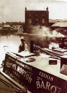 """Caption: """"BARON at Brentford"""" #london #canal #narrowboat #brentford #middlesex #fmc #motorboat #butty #fellows #morton #clayton #baron"""