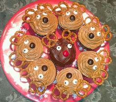 Reindeer Cupcakes! Outside reindeer: Caramel Frosting Middle reindeer: chocolate frosting