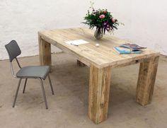 Massiver Esstisch aus aufgearbeiteten Bauholz // Unique wooden upcycling table by up-cycle via DaWanda.com