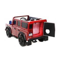 Caratteristiche del prodotto:  Auto costruita con licenza ufficiale Land Rover Alimentazione 12V - motori 2 x 35W sulle ruote posteriori. Radiocomando parentale Tempo di ricarica min. 4 ore, Velocità massima sette chilometri all'ora, max. Carico: 35 kg Batteria 12V - 7AH. ruote in EVA morbide. Le ruote in EVA sono in schiuma, rendono la guida sileziosa, sono durevoli, resistenti ai raggi UV e all'acqua 2 velocità - Ammortizzatori - per guida fluida fari anteriori e posteriori funzionanti…
