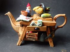 Catawiki online auction house: Cardew Design - Teapot Gardeners bench