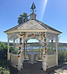Sunflowers offered a beautiful touch on this sunny wedding we had the honor of hosting at our property. #wedding #NewportBeach