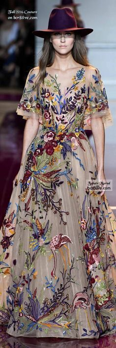Zuhair Murad - The Best Fall 2016 Haute Couture Fashion.I just like the unique combo of the sharp hat with the flowy, floral dress. Beautiful Gowns, Beautiful Outfits, Runway Fashion, High Fashion, Ladies Fashion, Fall Fashion, Fashion Ideas, Fashion 2016, Fashion Tips