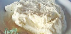 The efficacy of nisin and natamycin has been evaluated with the aim of turning them into antimicrobial treatments that improve the shelf life of Galotyri cheese. Buttermilk Ice Cream, Ice Cream Mix, Ripe Peach, Homemade Ice Cream, Greek Recipes, Food Print, A Food, Food Processor Recipes, Cooking Recipes