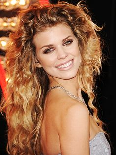 Curly Hair Tricks: add a ton of texture like AnnaLynne McCord for an at-the-beach, lived-in feeling. Find out how...