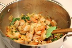 Roasted Shrimp Enchiladas with Jalapeño Cream Sauce - Smothered in a rich, jalapeno cream sauce, how can you resist? Shrimp Recipes, Mexican Food Recipes, Mexican Meals, Asian Recipes, Yummy Recipes, Yummy Food, Shrimp Enchiladas, Spinach Tortilla, Roasted Shrimp
