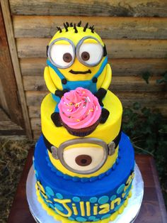 Minion Cake! without that topper