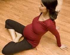 Stay healthy and look great in this maternity wear from FIT2BMOM