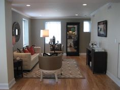 Luxurious 2 Bedroom in High Rise, Close to Longwood | First Choice Realty