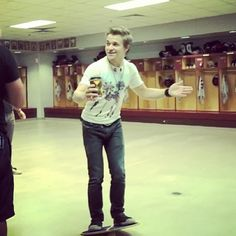"""LOL His face. FTLOM ,""""I'm just doing a workout you know a pre-show and coffee  this is gonna end bad i just know it."""""""