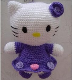 Crochet Hello Kitty Amigurumi - Caveat: pattern is translated.Free Crochet Hello Kitty Amigurumi - Caveat: pattern is translated. Crochet Cat Toys, Crochet Amigurumi Free Patterns, Cute Crochet, Crochet Crafts, Crochet Dolls, Crochet Baby, Amigurumi Tutorial, Tutorial Crochet, Crochet Animals
