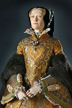 Portrait length color image of Mary Tudor aka. Mary I of England, Bloody Mary, my cousin 15 times removed by George Stuart. Mary I Of England, Queen Of England, Tudor History, British History, Asian History, Queen Mary Tudor, Lancaster, Enrique Viii, Renaissance And Reformation