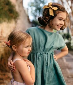 Shop the Spring 2018 Collection by Wunderkin Co. Classic handmade hair bows for your baby, toddler, or little girl and her free spirited style. The perfect accessory for your little one's individual fashion style and both of your mommy and me adventures.