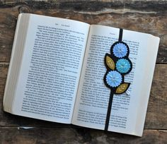 Bookmark Planner Bookmark Teacher Gift Book by LoveMaude on Etsy Felt Bookmark, Bookmark Craft, Crochet Bookmarks, Gifts For Bookworms, Gifts For Readers, Book Lovers Gifts, Book Gifts, Teacher Appreciation Gifts, Teacher Gifts