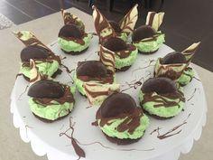 Mint chocolate mini cheesecakes