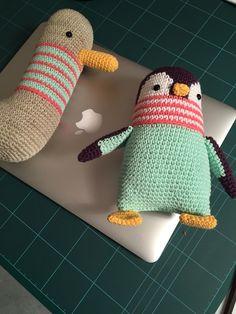 Amigurumis hechos del libro #picapau crochet Crochet Penguin, Crochet Baby Toys, Crochet Animals, Knit Crochet, Amigurumi Patterns, Crochet Patterns, Easy Crochet Projects, Stuffed Toys Patterns, Sewing Crafts