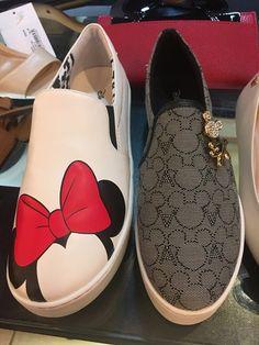 4805af451 Arezzo Disney Slipper Sapatos De Criança, Sapatos Fofos, Chinelo Tumblr,  Tenis Sapatenis,