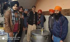 Sikhs Open Langars and Hearts to stranded Kashmiris - SinghStation
