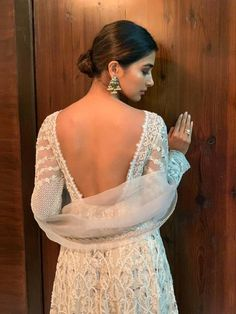 Pooja Hegde flaunts her sexy back Diwali Fashion, New Saree Blouse Designs, Super Hot Photos, Pooja Chopra, Indian Fashion Dresses, Bollywood Actress Hot Photos, Actress Photos, Katrina Kaif Photo, Cute Girl Pic