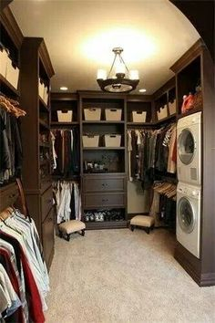 Washer and dryer in closet, Neat Idea!
