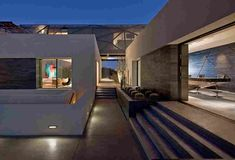 Tresarca House Architect's assemblageSTUDIO has designed this beautiful home in Las Vegas, Nevada, USA. At Tresarca, the materials develop a layering of mass as you move from the basement to the. Oasis, Desert Design, Grey Houses, Desert Homes, Grill Design, Architect House, Interior Architecture, Interior Design, Las Vegas