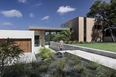 Gallery of Bracketed Space House / Matt Fajkus Architecture - 1