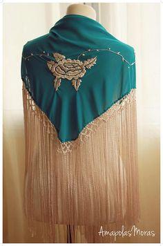 Silk triangle spanish shawl hand embroidered with Manila