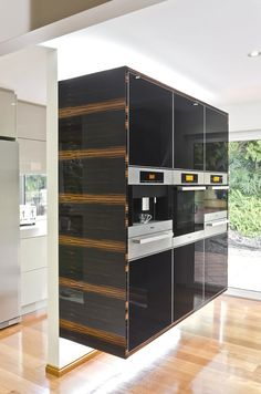 Contemporary Kitchen Design, Australia - http://www.adelto.co.uk/contemporary-australian-kitchen-design/