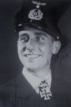 "Leutnant zur See d.R. Hermann Bögel (1914-1998), Kommandant Minensuchboote ""M 4040"" i.d. 40. Minensuchflottille, Ritterkreuz 13.10.1942"
