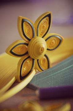 A simple quilling design, easy to make yet beautiful to use in decorating a card. Visit http://discoverquilling.com to learn more about quilling. If you are ...