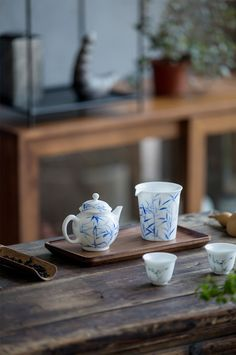 MoriMa Tea is an online Chinese Tea retailer and wholesaler, our office is located in the beautiful and charming Chinese coastal city - Xiamen. Chocolate Lovers, Hot Chocolate, Ceramics Pottery Mugs, Zen Tea, Asian Tea, Chai Recipe, Dining Ware, Brewing Tea, Chinese Tea