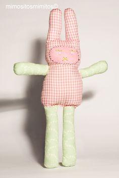 easter pascua conejo liebre rabbit huevos chocolate muñeco niños tela verde corazón