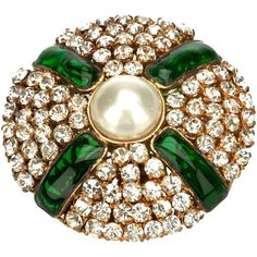 CHANEL VINTAGE glass set brooch ($845) ❤ liked on Polyvore featuring jewelry, brooches, accessories, chanel, bling, vintage glass jewelry, evening jewelry, vintage jewellery and green brooch