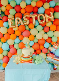 Taco 'bout a party! 🌮 Easton's UNO fiesta was such a fun birthday theme. And since it's I'm sharing all the details that went into planning this birthday theme up on the Well Traveled… Toddler Boy Birthday, King Birthday, Baby Girl First Birthday, First Birthday Cakes, Boy Birthday Parties, Birthday Fun, Birthday Shirts, Fiesta Party Favors, Fiesta Cake
