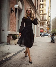 4fe563ad225 12 Best Midi dress images in 2019