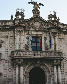 ДАРЬЯ, ТАКАЯ ДАША В СЕВИЛЬЕ (@dariaensevilla) • Фото и видео в Instagram Barcelona Cathedral, Big Ben, Spain, Louvre, Sevilla Spain, Spanish