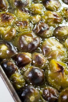 Oven Roasted Tomatillos - How to Cook Tomatillos Recipe Tomitillo Recipes, Canning Recipes, Gourmet Recipes, Healthy Recipes, Weekly Recipes, Healthy Food, Roasted Tomatillo Recipe, Tomatillo Sauce, Kitchens