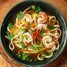Oriental soup with noodles and prawns Buttermilk Fried Chicken, Crispy Fried Chicken, Fried Chicken Recipes, Manchow Soup Recipe, Soup Recipes, Cooking Tv, Cooking Recipes, Asian Recipes, Healthy Recipes