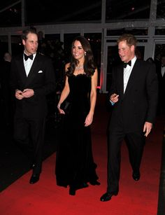 Pin for Later: Les 63 Meilleures Photos de Kate et William Prises Depuis Leur Mariage  Londres, Décembre 2011.