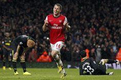 Well Done! Arsenal Fc, Angels, Soccer, Hero, Football, Sports, Hs Sports, Futbol, Futbol