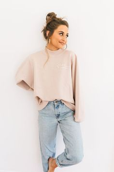 Color: nude blush Size + Fit: s/m measures: length and wide l/xl measures: length and wide Content + Care: - Cotton - Wash Cold - Tumble Dry Image Fashion, Look Fashion, Autumn Fashion, Fashion Images, Fashion Design, Mode Outfits, Trendy Outfits, Fashion Outfits, Fashion Tips