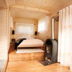 """Das """"Basic""""-Schlafzimmer mit ausgeklapptem Bett"""