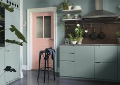 Dusty pink and mint green in the kitchen - via cocolapinedesign.com