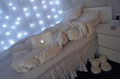 DIY easy decor for a teenage room I still love this....I so want to do this