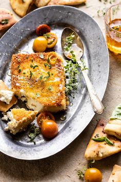 This Pan-Fried Feta with Peppered Honey, the perfect (EASY) appetizer loved by all. Salty feta cheese, coated in Panko and pan-fried to golden perfection! Feta, Tapas, Half Baked Harvest, Clean Eating Snacks, Healthy Snacks, Thanksgiving Recipes, Summer Recipes, Appetizer Recipes, Party Appetizers